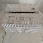 Srebrna kutija sa cirkonima za koverte