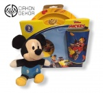 Set sadrži:  Plitak i dubok tanjir i čaša Disney i mali plišani Mickey upakovano u celofan sa mašnom