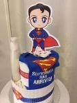 Cena: 3200 din Sadrži: pelene vel. 2, pamučni bodić Superman 0-3 m. (vel. 62), čarapice i Johnsons kremastu kupku za novorođenče 500ml