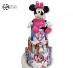 Cena: 4500 din Torta od pelena sadrži: pelene vel. 4, kinder i milka slatkiši i plišana Mini koja peva i balon