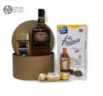 Slatki paket sadrži: Kutija, Canadian special old whisky 0.7l, Nescafe gold, bombonjera. Cena: 4000din