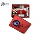 Slatki paket sadrži: Kutija,meda diplomac,raffaello, coca cola, 2 vodke ice smirnoff Cena:3000din /39