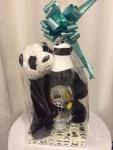 Poklon sadrži: prelepog plišanog pandu i veliku staklenu flašicu Cena: 1800 din/97