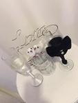 23. Wedding gift 3.: Čaše za šampanjac, ukrasni kaveščić sa golubovima, love gajbica Cena: 3000 din