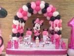 dekoracija slatkog stola Mini Maus