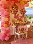 slatki sto dekoracija i baloni