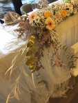 cvetni aranžmani za mladenački sto