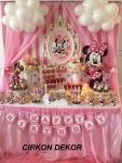 dekoracija Minnie Mouse za prvi rođendan