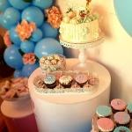 slatki sto uz dekoraciju